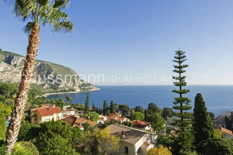 1930's riviera style villa walking distance to beach