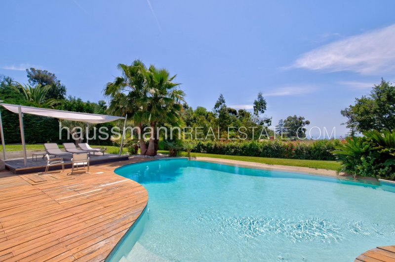 architect property with sea view