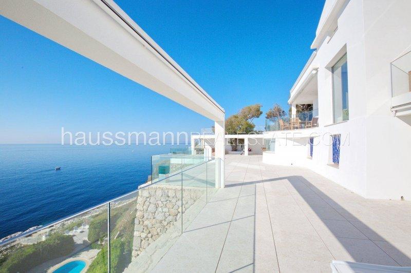 beautiful modern property facing the sea