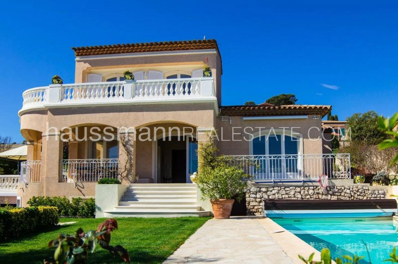 charming and quiet villa with breathtaking sea view