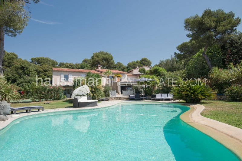 country side setting above villefranche and nice