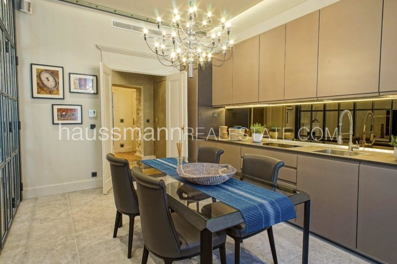 design and luxury 92 m2 port of nice