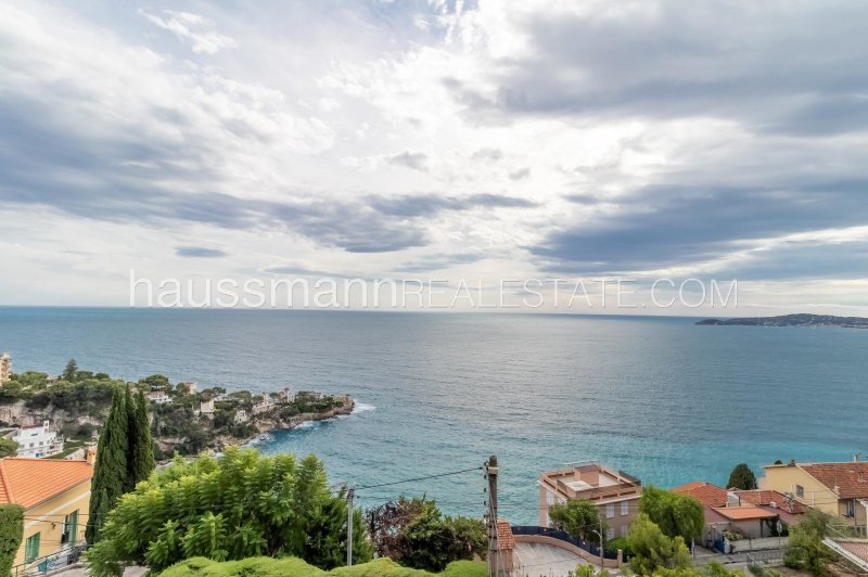 facing the sea at only 5 minutes from monaco