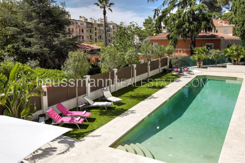 in the heart of beaulieu sur mer, at 2 steps from beaches and restaurants