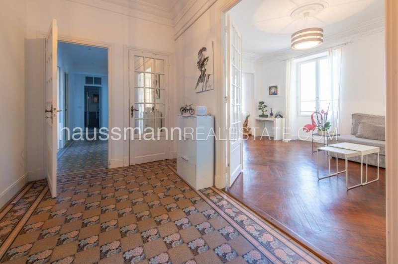 in the heart of beaulieu sur mer, beautiful 3 bedrooms apartment on first floor