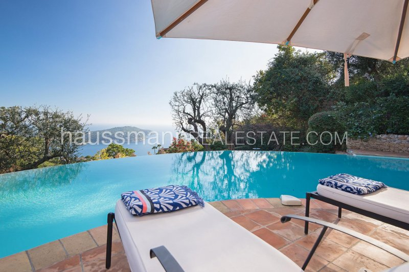lovely provencale sea view house with swimming-pool