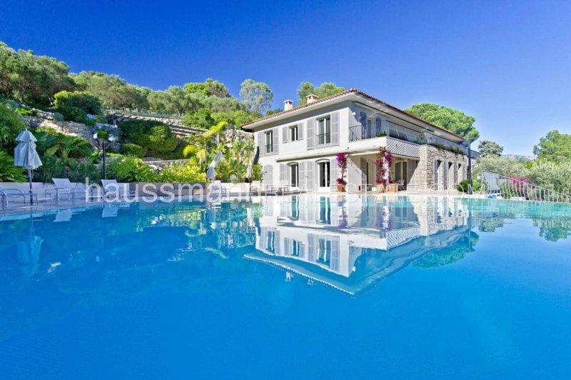 luxurious panoramic sea view property