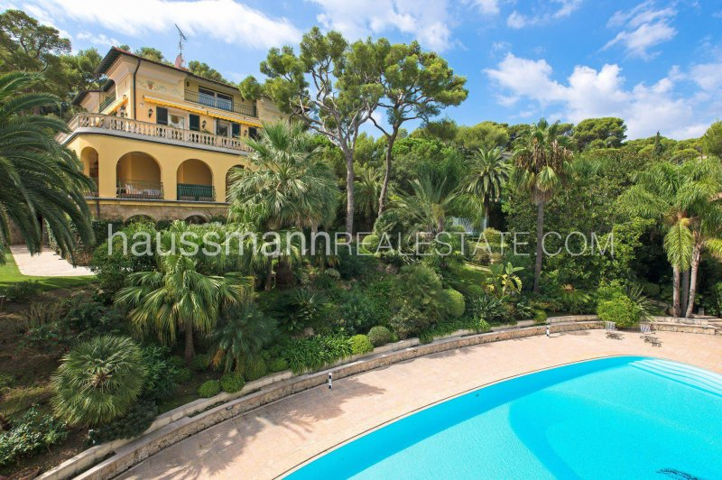 magnificent bourgeois property with swimming pool