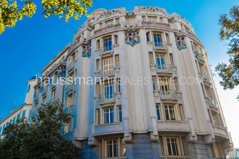 modernized apartment in a jewel of the 30s