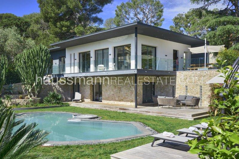 new contemporary villa near the village