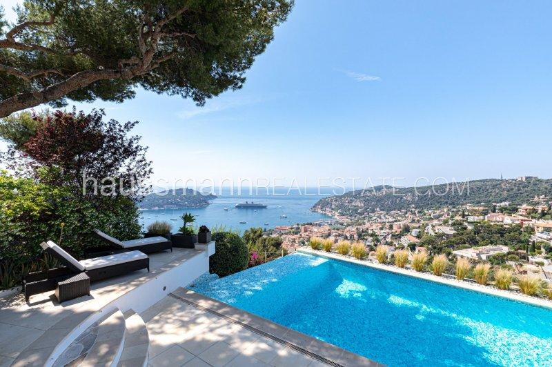 panoramic sea views & contemporary style