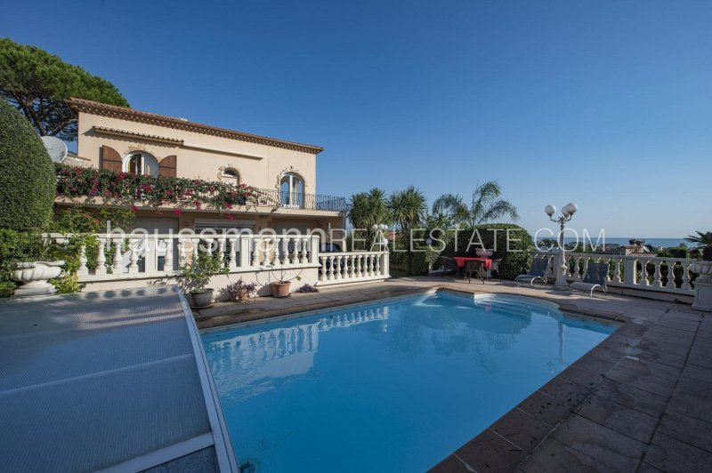 provencal property with sea view