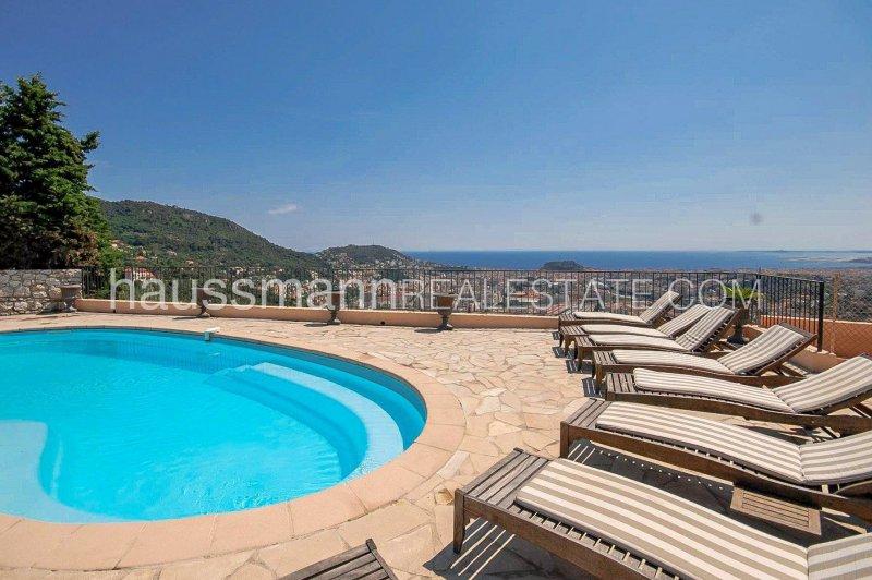 provençal stone-built villa overlooking nice and sea