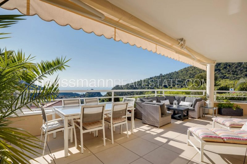 renovated 3 bedrooms with sea view