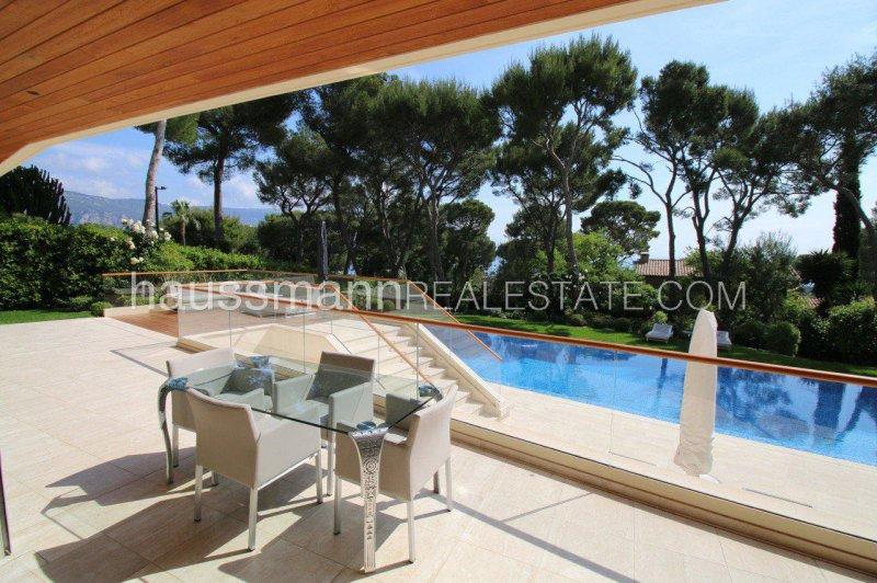 sea view contemporary villa with swimming-pool