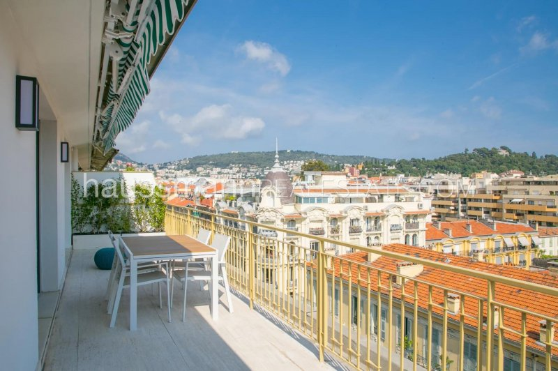 top floor with terrace in the center of nice