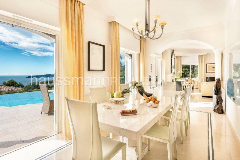 villa with hotel services and sea view near monaco